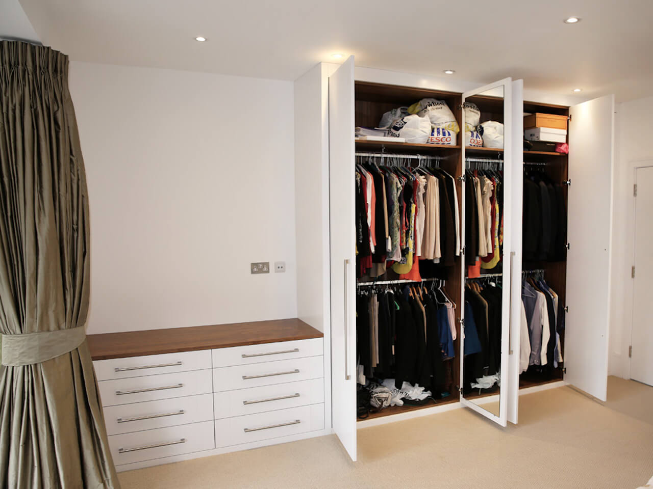 3-bespoke-built-in-fitted-wardrobe-interior-chest-drawers-bedroom-furniture.jpg